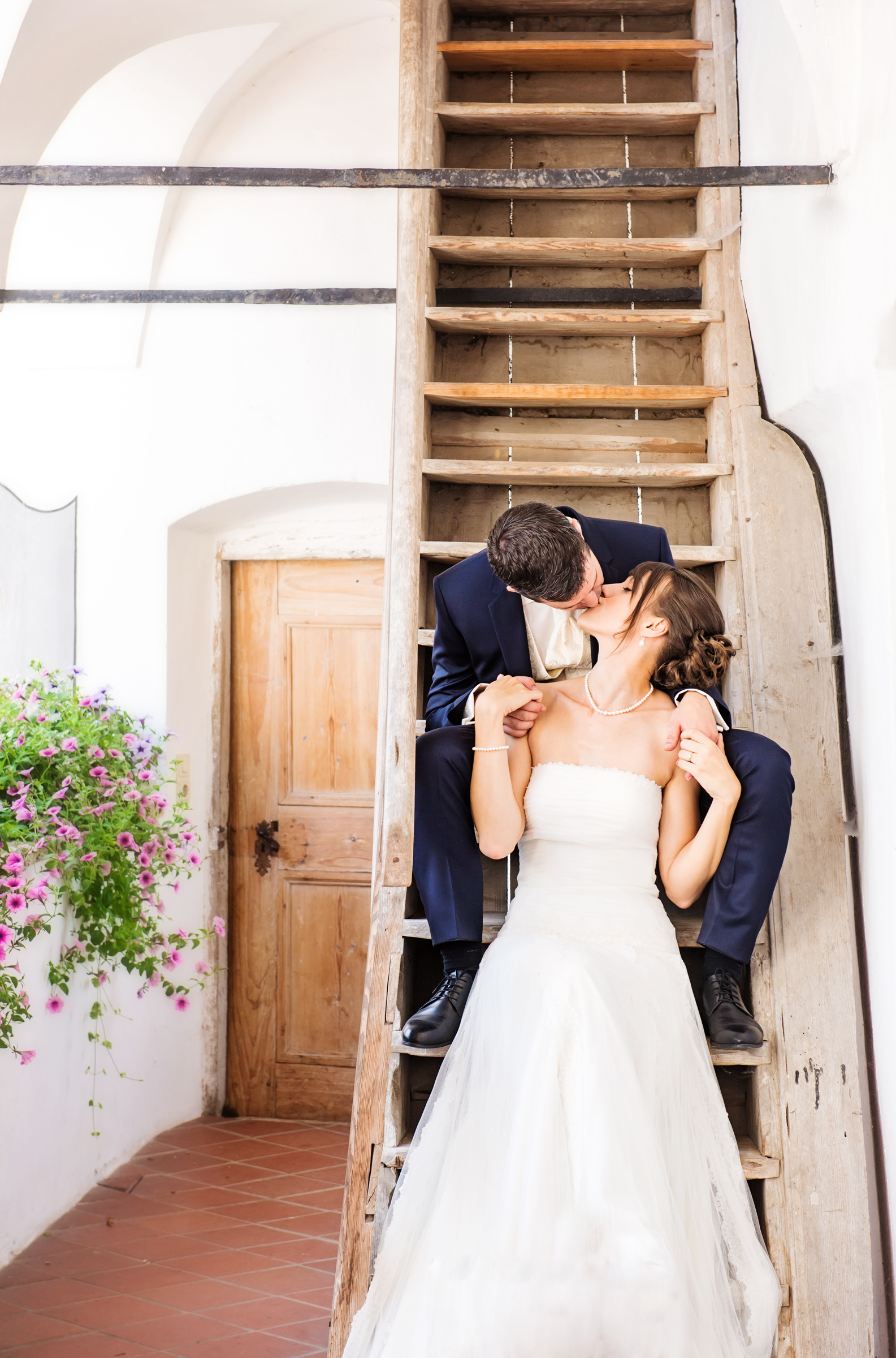 Portfolio-Weddings-Kiss